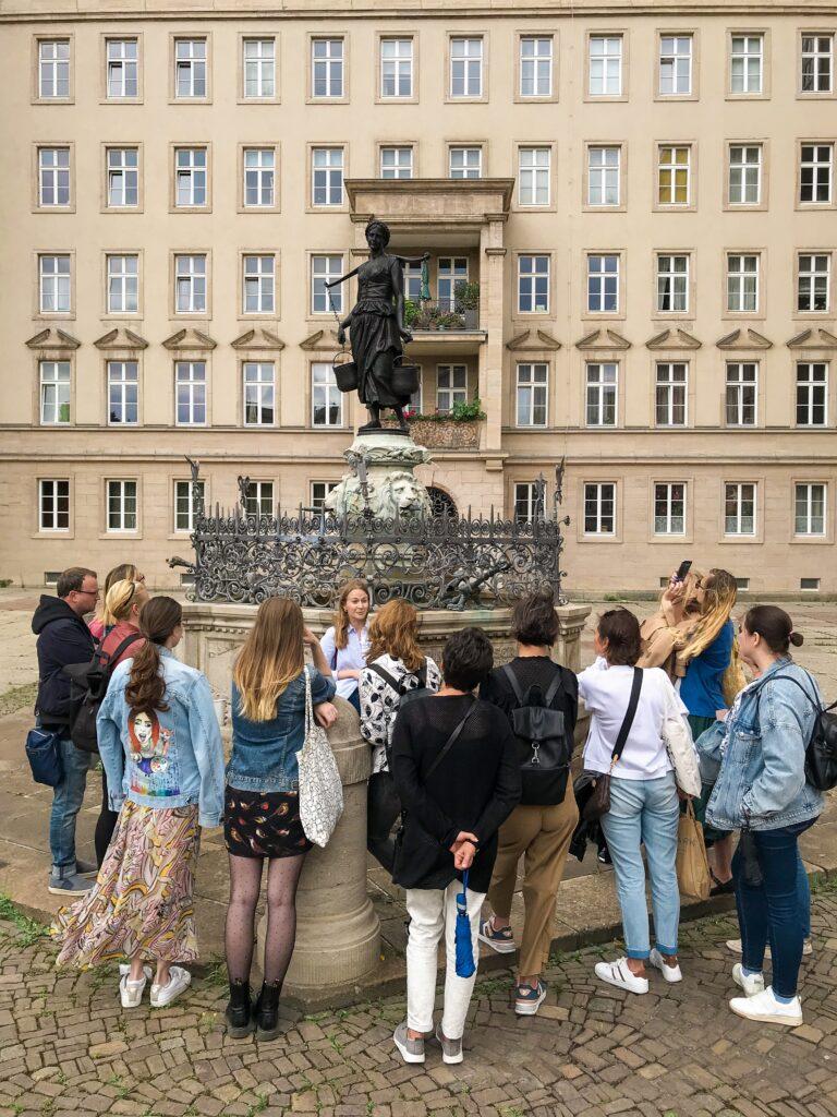 Кофейник, ноты и чернила - женские истории Лейпцига